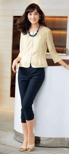ノーカラーのジャケットを羽織り私服面接もビジネスカジュアルで◎ 〜就活ファッション スタイルのアイデア コーデまとめ〜