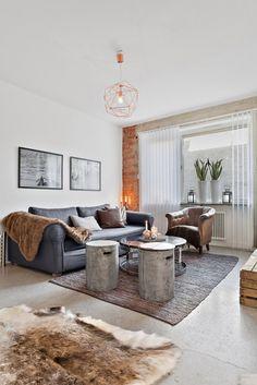 #excll #дизайнинтерьера #решения Сегодня мы постараемся развенчать миф о том, что уютный осенний декор должен быть классическим.