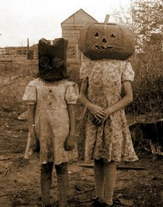 Creepy vintage Halloween costumes – in pictures