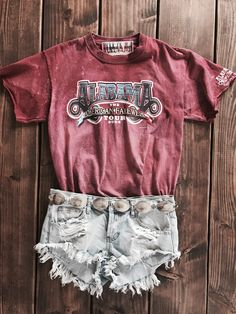 Alabama Reconstructed Tee www.licensetoboot… Alabama Reconstructed Tee www. Country Girls Outfits, Country Girl Style, Western Outfits, Western Wear, My Style, Country Fashion, Western Style, Cowgirl Outfits, Summer Outfits