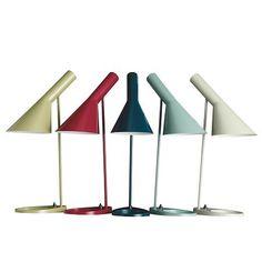 Arne Jacobsen Table Lamp. Available at artdecowebstore.com. - Arne Jacobsen Tafellamp/Bureaulamp. Verkrijgbaar bij artdecowebwinkel.com.