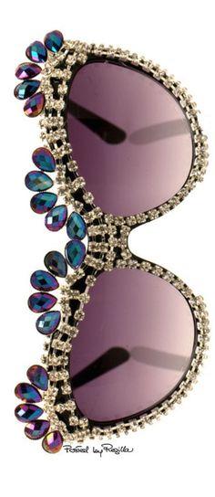 f40a131f9abb Regilla ⚜ Una Fiorentina in California rhinestone sunshades Cool Sunglasses