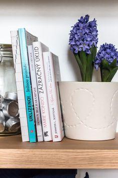 Inspirujte se u nejlepších aneb úklid podle FlyLady, Marie Kondo a dalších - Mámami Flylady, Bookends, Mario, Blog, Home Decor, Decoration Home, Room Decor, Blogging, Home Interior Design