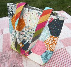 *Inspiration* 33 Hexie Tote | Flickr - by HappierThanABirdQuilts