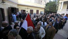 Egipto vota en referendo la nueva Constitución