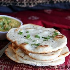 Naan: I love naan. This one is made in a traditional oven on a pizza stone. Garlic Naan is even better! I Love Food, Good Food, Yummy Food, Croissants, Bread Recipes, Cooking Recipes, Yummy Recipes, Cooking Dishes, Cheese