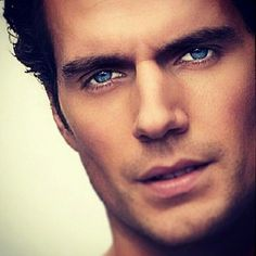 henry cavill (man of steel). really like this new superman. super he sure is that! Beautiful Eyes, Gorgeous Men, Pretty Eyes, Hello Gorgeous, Absolutely Gorgeous, Pretty People, Beautiful People, Celebs, Celebrities