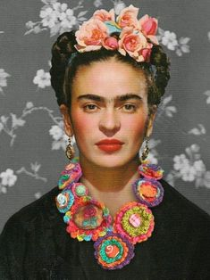 Frida Kahlo- Great Necklace, and instructions on how to make it. Frida Kahlo- Great Necklace, and instructions on how to make it. The post Frida Kahlo- Great Necklace, and instructions on how to make it. appeared first on Pink Unicorn. Frida E Diego, Frida Art, Diego Rivera, Frida Kahlo Portraits, Frida Kahlo Artwork, Wall Art Prints, Fine Art Prints, Lino Prints, Block Prints