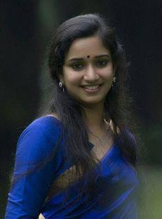 Cute Woman and Hot Girls Beautiful Girl Indian, Most Beautiful Indian Actress, Beautiful Actresses, Most Beautiful Women, Indian Natural Beauty, Indian Beauty Saree, Thing 1, India Beauty, Beauty Women