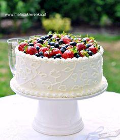 Tort truskawkowy z białą czekoladą Berry Cake, Dessert Bread, Summer Treats, Vanilla Cake, Chocolate Cake, Summer Time, Sweet Tooth, Berries, Deserts