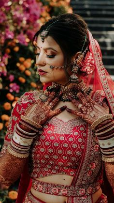 Indian Bride Poses, Indian Wedding Poses, Indian Bridal Photos, Indian Wedding Couple Photography, Indian Bridal Outfits, Indian Bridal Fashion, Indian Fashion Dresses, Bridal Photography, Couple Wedding Dress