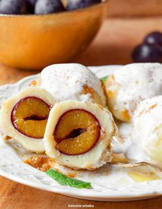 Knedle ze śliwkami Knedle Recipe, Vegetarian Recipes, Cooking Recipes, Polish Recipes, Polish Food, Sweet And Salty, Fruit Recipes, Dessert, I Love Food