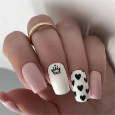 In seek out some nail designs and some ideas for your nails? Here is our set of must-try coffin acrylic nails for modern women. Summer Acrylic Nails, Best Acrylic Nails, Acrylic Nail Designs, Nail Art Designs, Nails Design, Heart Nail Designs, Nail Design For Short Nails, Nails Short, Queen Nails