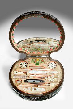 Richard Gardner Antiques - Boxes / Tea Caddies / Treen