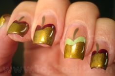 Caramel apple Halloween nails. These make me think of snow white :)