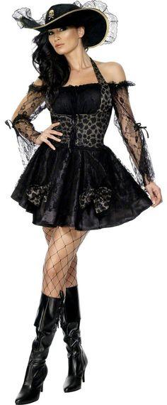 Déguisement pirate femme sexy : Ce déguisement depirate sexy pourfemme se compose d'une robe avec bustier et d'un chapeau.La robe est composée d'une magnifique dentelle noire,...