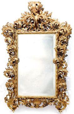 Rare miroir en bois doré.Travail italien probablement Florence, Fin du XVIIesiècle.PhotoTajan