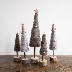 rustic christmas The woolly forest Diy Christmas Tree, Rustic Christmas, Christmas Projects, Christmas Holidays, Christmas Ornaments, Tree Crafts, Holiday Crafts, Yarn Trees, Xmas Decorations