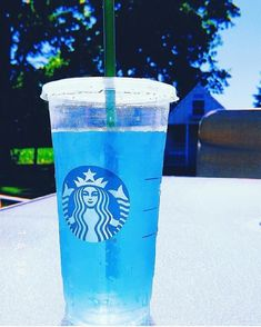 People say blue is blue but I say blue is Starbucks Starbucks Hacks, Copo Starbucks, Starbucks Secret Menu Drinks, Starbucks Refreshers, Starbucks Blue Drink, Bebidas Do Starbucks, Starbucks Coffee, Blue Drinks, Summer Drinks