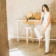 Mango Trousers, Wide Leg Trousers, White Beige, Coffee Shop, Vest, Street Style, Cakes, Furniture, Home Decor