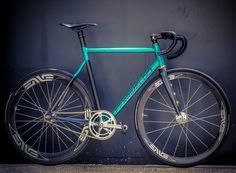 FERRIVELOCI #pista #fixie #fixedgear #bike