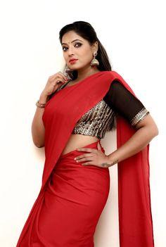 Beautiful Tamil Girl Reshma Pasupuleti Hot In Red Saree
