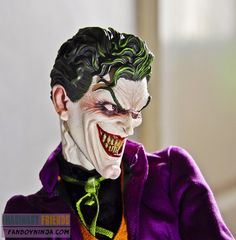 Joker Premium Format by Sideshow Collectibles