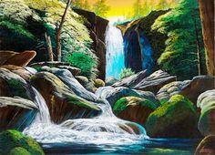 夕焼けの白く輝く滝