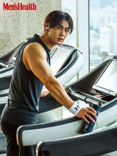 NU'EST's Baekho makes jaws drop with his hot bod on the cover of 'Men's Health' 30 Oct 2018