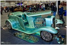 1932 Ford Roadster a Great 8 Ridler Award Finalist @ the 2010 Detroit Autorama.