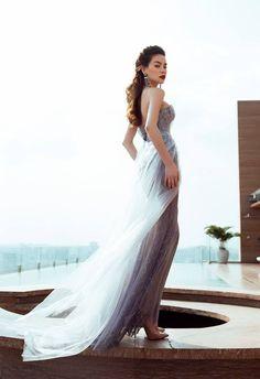 Joli Poli Haute Couture & Wedding Studio 278 Vo Thi Sau Street, District 3, Ho Chi Minh City Tel: (+84) 08.2201.0026 jolipoliboutique@gmail.comwww.facebook.com/jolipoli.boutiques www.jolipoli.vn #dress #prom #promdress #strapless #longdress #jolipoli #fashion #design #classy #royal #chic #elegant #lace #lacedress #floral #beaded #embroidered #collection #celebrity