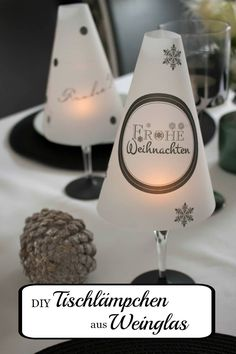 DIY table lamp from a wine glass for the Christmas table - DIY - Weihnachten - gatte Noel Christmas, Outdoor Christmas, All Things Christmas, Christmas Cards, Christmas Ornaments, Wallpaper World, Diy 2019, Deco Table Noel, Diy Hanging Shelves