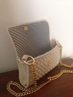 Borsa punto nocciolina Handmade Handbags & Accessories - amzn.to/2ij5DXx Handmade Handbags & Accessories - http://amzn.to/2iLR27v