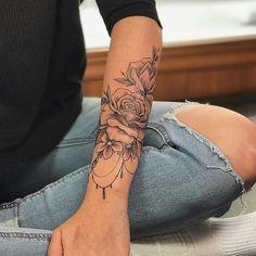 Ideas For Tattoo Frauen Unterarm Rosen Blumen - Brenda O. - Ideas For Tattoo Frauen Unterarm Rosen Blumen – - Body Art Tattoos, New Tattoos, Hand Tattoos, Small Tattoos, Girl Tattoos, Tattoo Arm, Tatoos, Forearm Flower Tattoo, Rosen Tattoo Frau