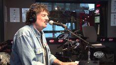 Burton Cummings - I'm Scared (Live on Q107) Studio de radio, en direct, et sonne toujours bien (and still sounds good)!