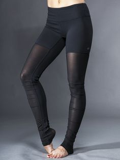 Alo Yoga Goddess Ribbed Legging in Black