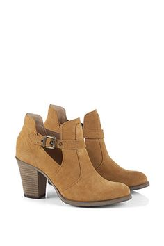 Esprit / ankle boots with a strap, cut-out at the side