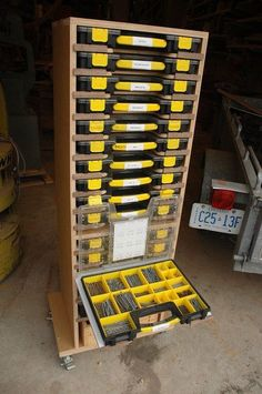 Mobile Modular Small Parts Rack - Inexpensive Adam Savage Style sortimo tool box/parts rack Más