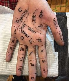 – Paganism, Wicca & other mysteries … Palm reading shown on a real hand! – Paganism, Wicca & other mysteries ☾ – reading Body Art Tattoos, I Tattoo, Tattoo Moon, Hand Palm Tattoos, Hand Tatto, Weird Tattoos, Hand Henna, Reader Tattoo, Tatouage Sublime