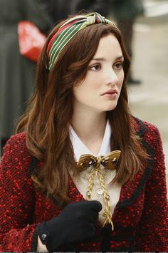 I don't know about you but I really miss Gossip Girl. It was a breath of fresh air to the teen drama genre; full of incredible fashion, plot twists, and of course Blair Waldorf headbands. AKA: The greatest of all hair accessories.For those who haven