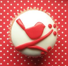 red robin cupcake by hello naomi, via Flickr