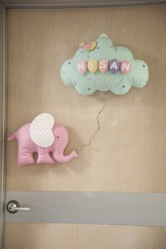 Baby Crafts, Felt Crafts, Diy Crafts For Kids, Baby Shawer, Felt Baby, Baby Door, Baby Mobile, Baby Boy Photos, Baby Footprints