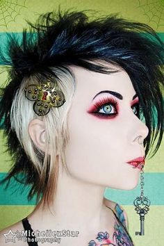 I want to make a doll that looks like Megan Massacre