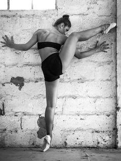 Ballerina by Louis Loizides Mitsu on 500px
