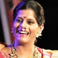 Vibhavari Deshpande Biography, Age, Husband, Children, Family, Caste, Wiki & More
