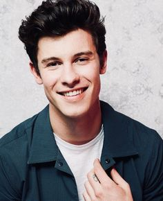 Shawn Mendes when he smile Shawn Mendes Quotes, Shawn Mendes Imagines, Logan Lerman, Justin Bieber, Shawn Mendas, Chon Mendes, Shawn Mendes Wallpaper, Mendes Army, Magcon Boys