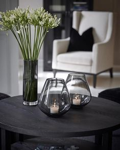 Interior inspiration slettvoll i 2019 декор. Table Decor Living Room, Home Living Room, Living Room Designs, Bedroom Decor, Decorating Coffee Tables, Decoration Table, Home Decor Accessories, Home Decor Inspiration, Decor Styles