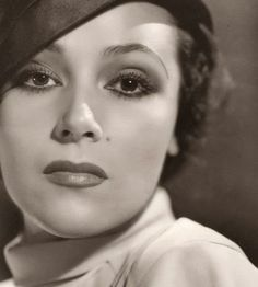 Dolores del Rio up close