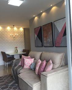 32 Sofás para Sala Pequena com Designs Ideais! Living Room Sofa, Living Room Decor, Elegant Living Room, Paint Colors For Living Room, Small Apartments, Home Decor Bedroom, Home And Living, Sofas, Furniture Design