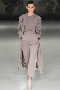 See all the Collection photos from Barbara Casasola Spring/Summer 2015 Ready-To-Wear now on British Vogue London Fashion Weeks, Paris Fashion, Runway Fashion, Winter Fashion, Womens Fashion, Fashion Spring, Look Fashion, High Fashion, Fashion Show